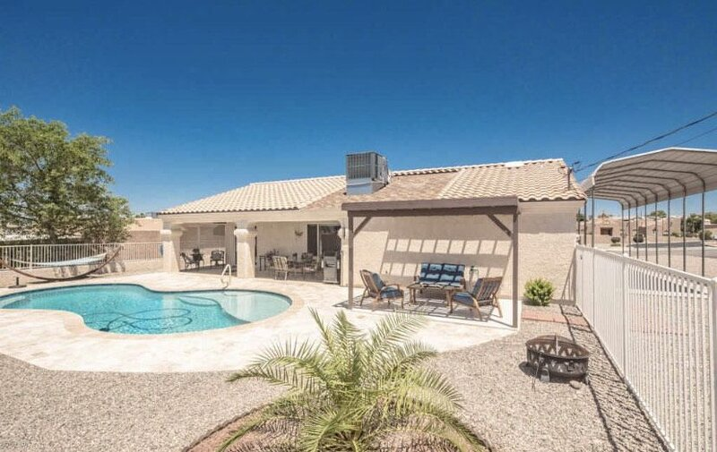 Southside Lake House with Pool – semesterbostad i Parker Dam