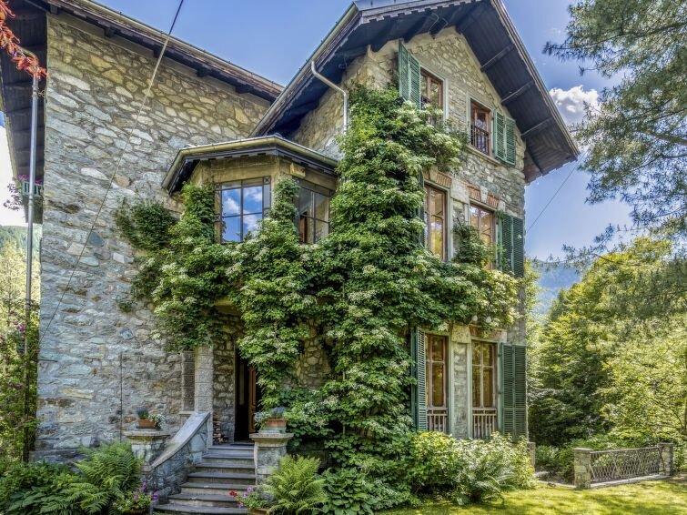 Ferienhaus Villa Biino (VIZ200) in Ala di Stura - 12 Personen, 7 Schlafzimmer, vacation rental in Caprie
