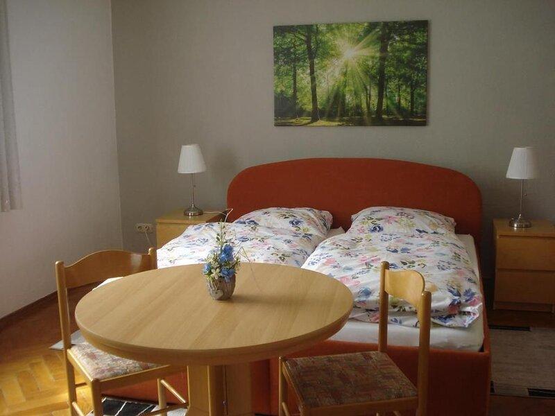 Ferienwohnung Sehmatal-Cranzahl für 2 - 4 Personen mit 2 Schlafzimmern - Ferienw, vacation rental in Loucna pod Klinovcem
