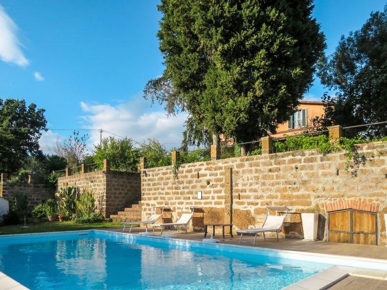 Ferienhaus Casale Ai Noccioli (LVC165) in Lago di Vico - 17 Personen, 8 Schlafzi, holiday rental in Gallese