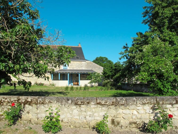 Vacation home in Huismes, Valley of Loire and Indre - 4 persons, 2 bedrooms, holiday rental in Rigny-Usse