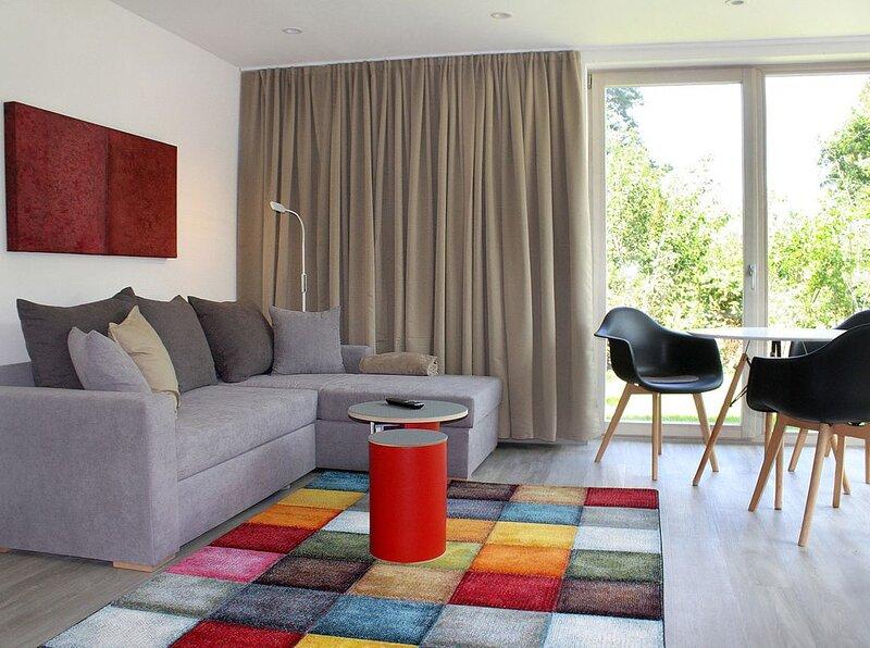 Modernes und innovatives Ferienhaus (40 qm) mit Garten, holiday rental in Volkach
