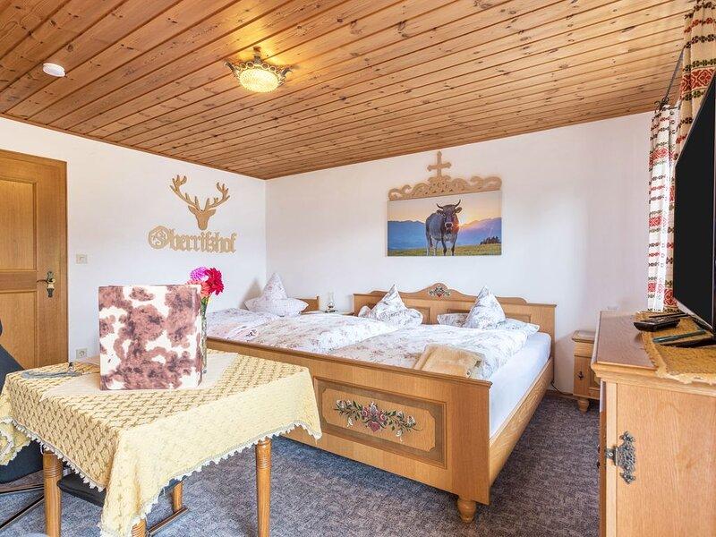 Urlaub auf dem Bauernhof - Traumhafte Ferienwohnung mit WLAN, Balkon, Garten, Se, location de vacances à Feldkirchen-Westerham
