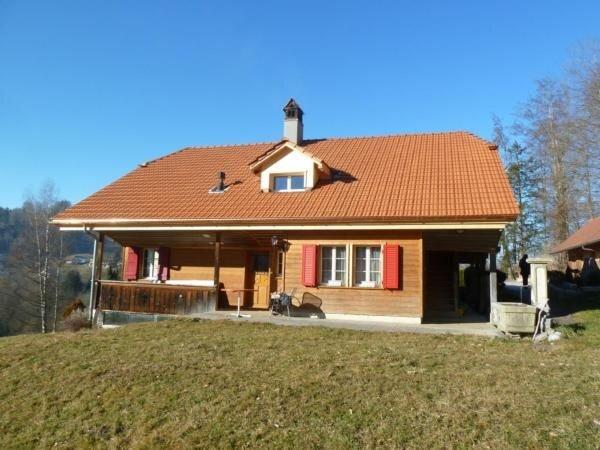 Ferienwohnung Rüschegg Heubach für 2 Personen mit 1 Schlafzimmer - Ferienwohnung, vacation rental in Utzigen