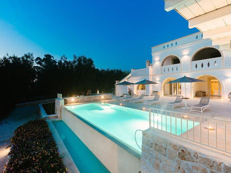 Luxuriöse Villa Don Salvatore mit WLAN, Klimaanlage, Pool und Terrasse; Parkplät, alquiler de vacaciones en Certosa