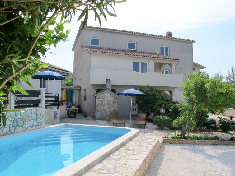 Ferienhaus Franko (MDN182) in Medulin - 4 Personen, 2 Schlafzimmer, vacation rental in Liznjan
