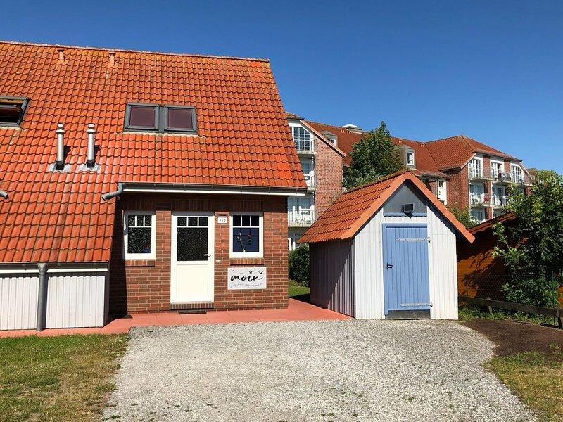 Ferienhaus Steuerbord ruhig gelegen große Terrasse nur 300m zum Strand / Meer, holiday rental in Friedrichskoog