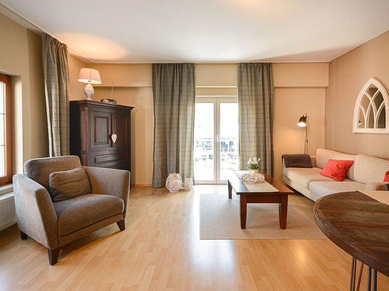 Galeriewohnung Premium, 67qm, 1 Schlafzimmer, max. 4 Personen, holiday rental in Überlingen