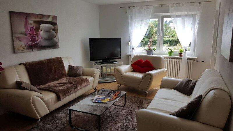 Ferienwohnung Miezerle, 62qm, 2 Schlafzimmer, max. 4 Personen., vacation rental in Stockach