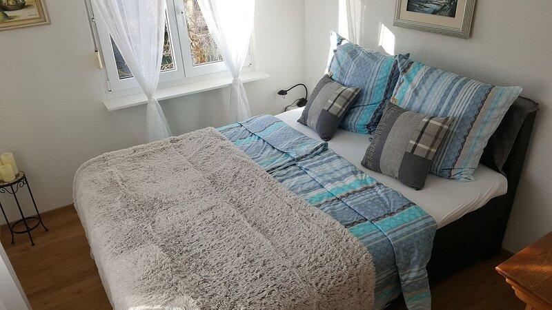 Ferienwohnung Miezerle, 62qm, 2 Schlafzimmer, max. 4 Personen., holiday rental in Immendingen