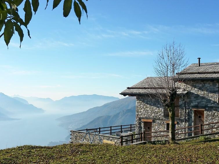 Vacation home Le Baite di Bodone  in Peglio (CO), Lake Como - 6 persons, 2 bedr, casa vacanza a Dosso del Liro