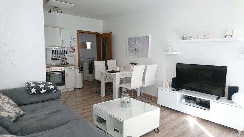 Gemütliche und moderne Wohnung mit Terrasse für 2 Personen, casa vacanza a Kustelberg