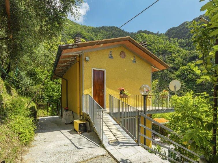 Ferienhaus La Sperduta (CTO400) in Montignoso - 4 Personen, 2 Schlafzimmer, holiday rental in Azzano