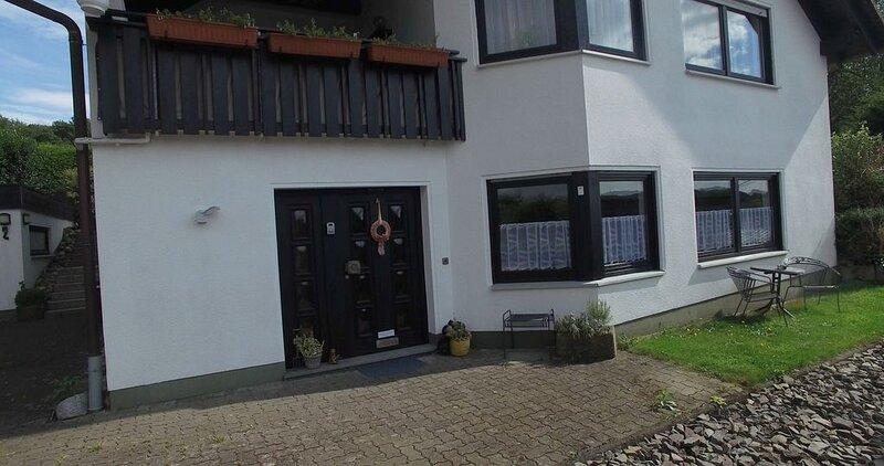 Ferienwohnung Talblick Bierenbachtal, holiday rental in Reichshof