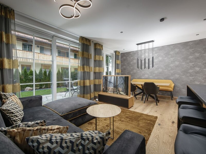 Wohnung 2 in Luxury Apartments 'R6 Tegernsee', vacation rental in Schliersee
