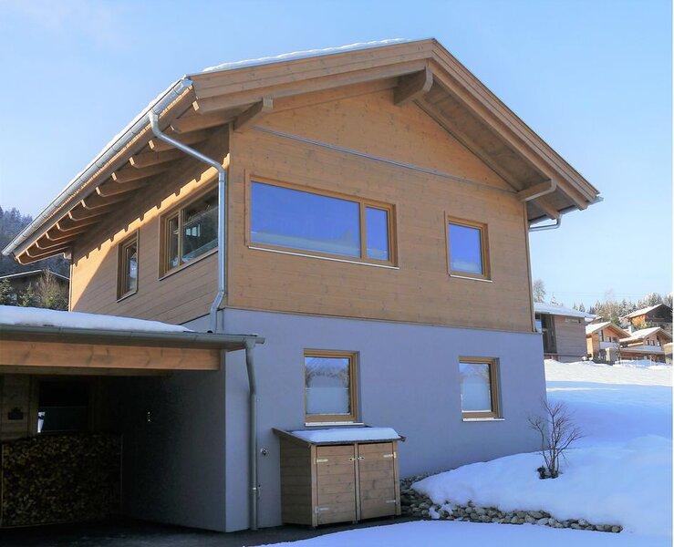Exklusives Chalet mitten im Skigebiet Dachstein-West, aluguéis de temporada em Abtenau