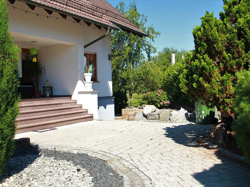 Familienfreundliche FeWo für 4 Pers., holiday rental in Durbach