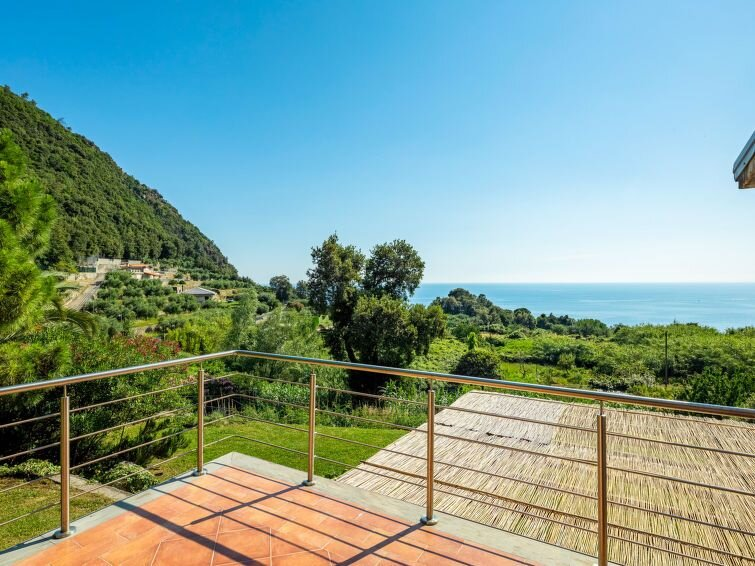 Ferienhaus Villa Monilia (MIA153) in Moneglia - 6 Personen, 2 Schlafzimmer, vacation rental in Framura