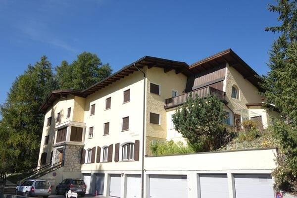 Ferienwohnung Pontresina für 4 - 6 Personen mit 2 Schlafzimmern - Ferienwohnung, holiday rental in Pontresina