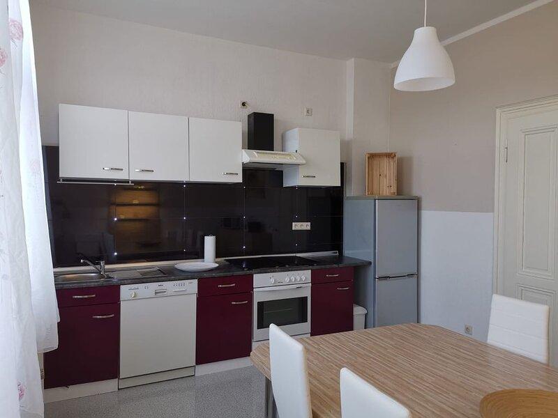 Ferienwohnung Felicity 85 m2, holiday rental in Remscheid
