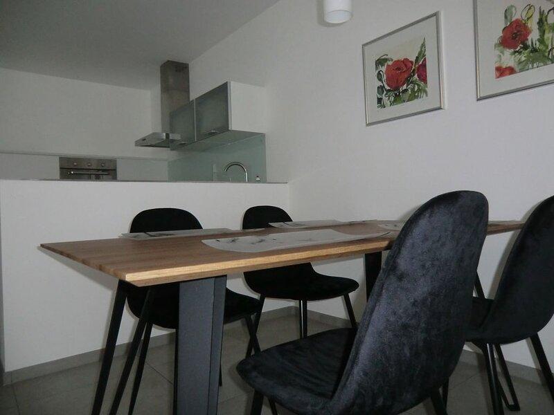 WS-Appartement - Ausgangspunkt für Bike Tennis Golf Sport oder Ruhe, vacation rental in Kitzbuhel