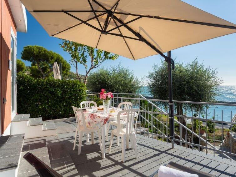 Ferienhaus Mandorlo / Magnolia (SLR401) in San Lorenzo al Mare - 5 Personen, 2 S, vacation rental in San Lorenzo al Mare