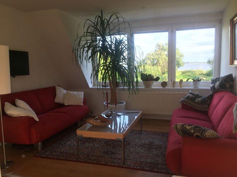 Ferienwohnung in Born mit Boddenblick/Sonnenbalkon, vacation rental in Born