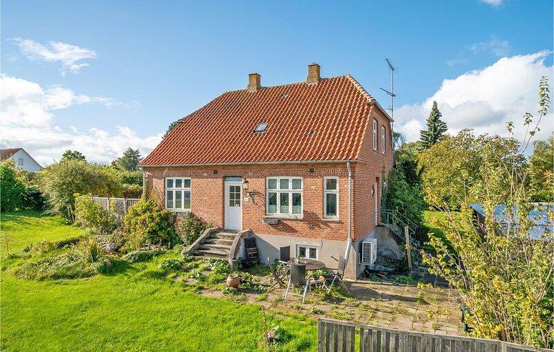 2 Zimmer Unterkunft in Jægerspris, vacation rental in Oroe
