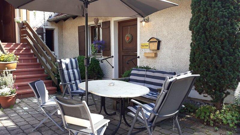 Praxis Löwenzahn, ehemalige Landarztpraxis im Fränkischen Seenland, holiday rental in Treuchtlingen