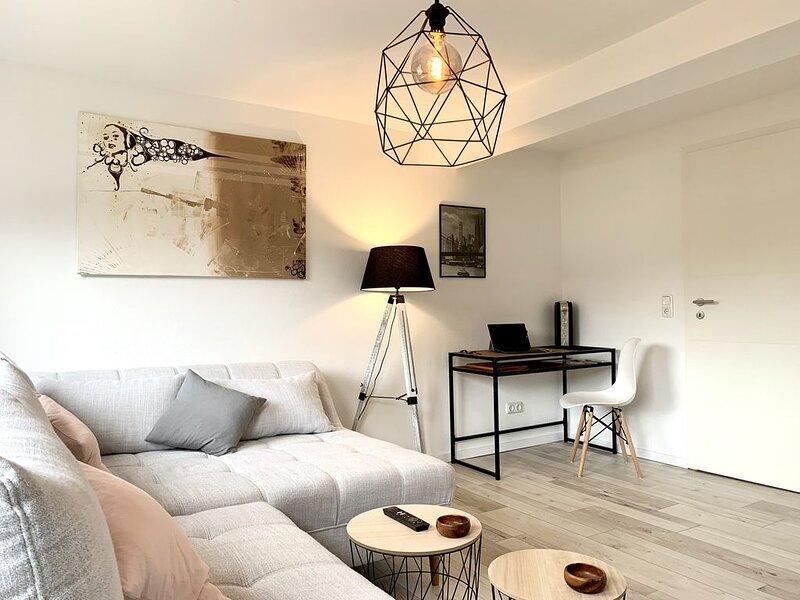 Modernes Apartment mit Prime, Küche & WLAN, location de vacances à Oppurg