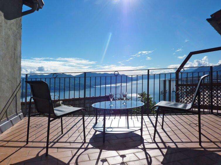 Apartment Casa della Nonna  in MACCAGNO (VA), Lago Maggiore - Lake Orta - 5 per, casa vacanza a Maccagno