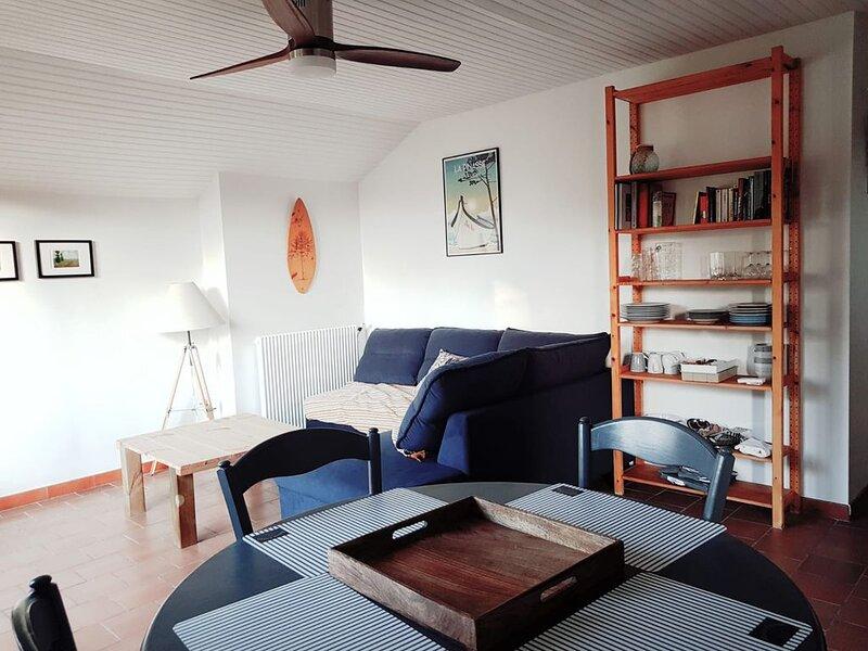Appartement, avec jardin indépendant. 8km de l'océan, vacation rental in Lit-et-Mixe