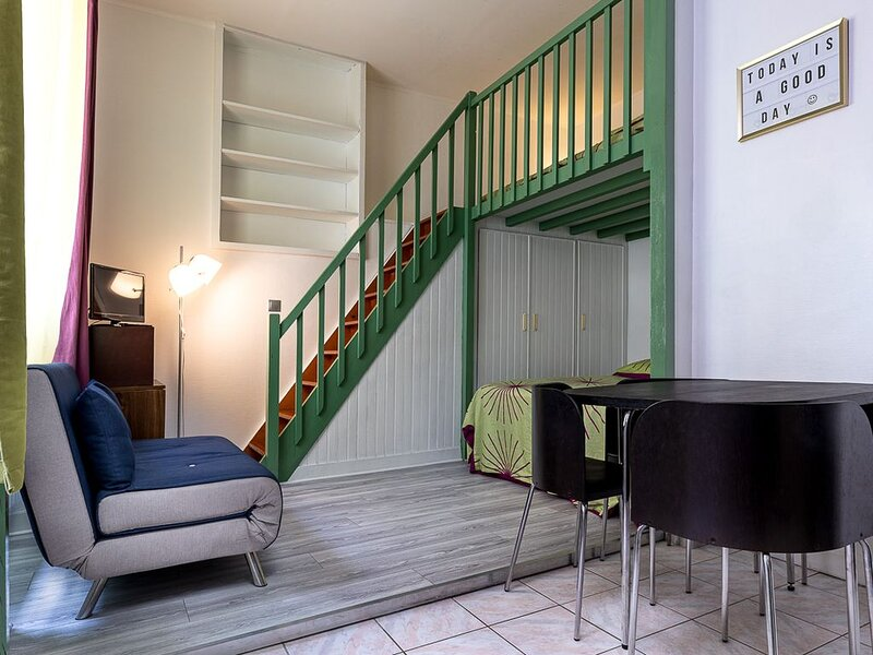 Secure apartment at the foot of the castle, alquiler vacacional en Montigny-le-Bretonneux