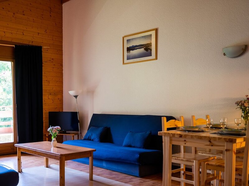 7e, Suite - max 6 personnes - balcon #728, holiday rental in Torgon