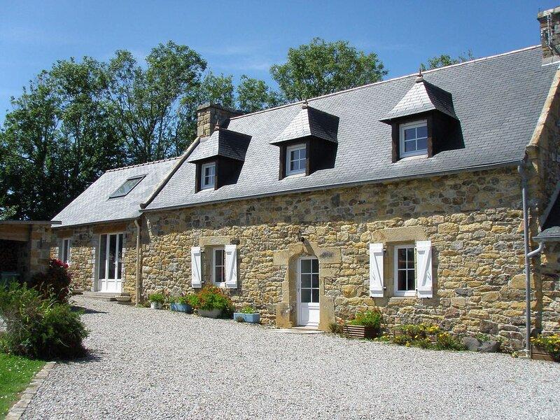 Maison bretonne en pierre ,mer à 400 m, Camaret, Roscanvel., vakantiewoning in Finistere