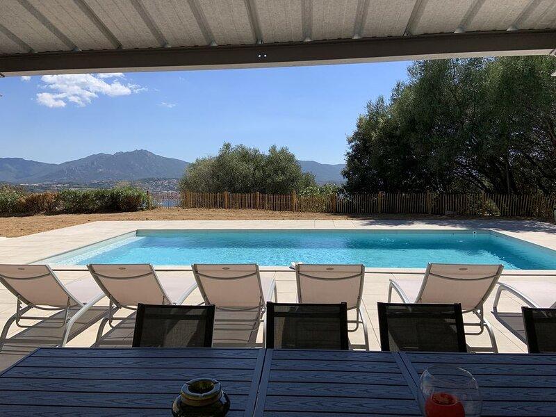 LES CANNES, villa au calme avec piscine., vacation rental in Petreto-Bicchisano