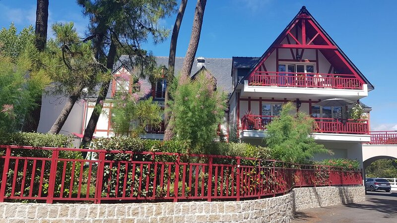 Appartement T2  La Lanterne à La Baule proche Hôtel Le Royal, holiday rental in Saille