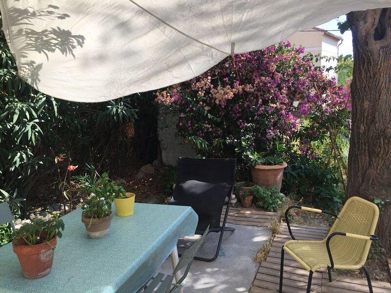 T1 dans une maison avec jardin, location de vacances à La Valette-du-Var
