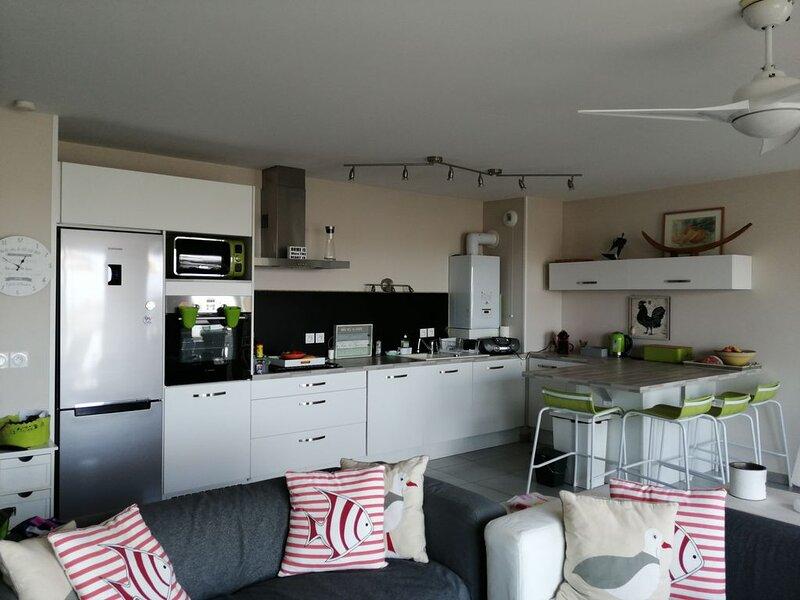 Repos au bord de mer dans un appartement de haut standing tout équipé, vacation rental in Sete