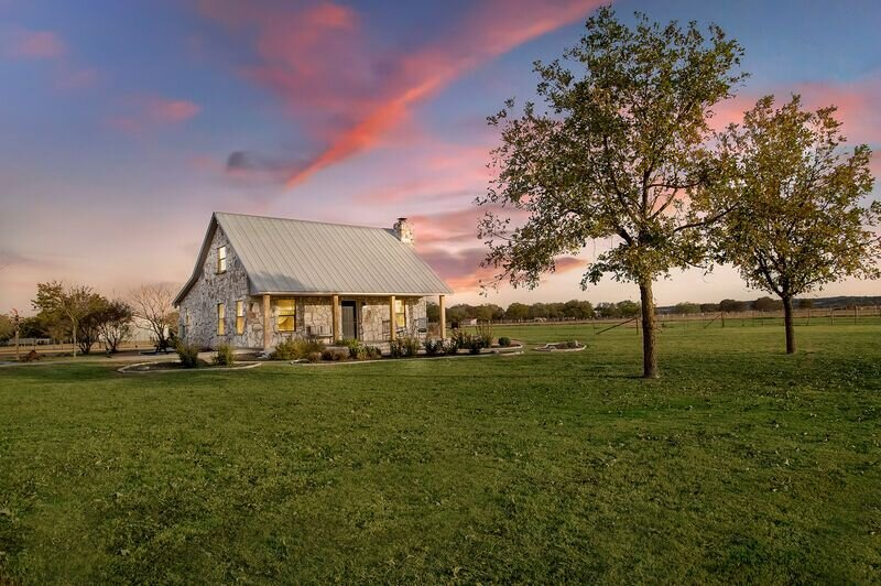 Das Steinhaus | 3/2 Country Home | Near Wineries | Private Hot Tub, vacation rental in Stonewall