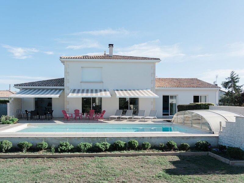 Villa 160M2 avec piscine 10X4 sur terrain de 3000m2, vakantiewoning in Marennes