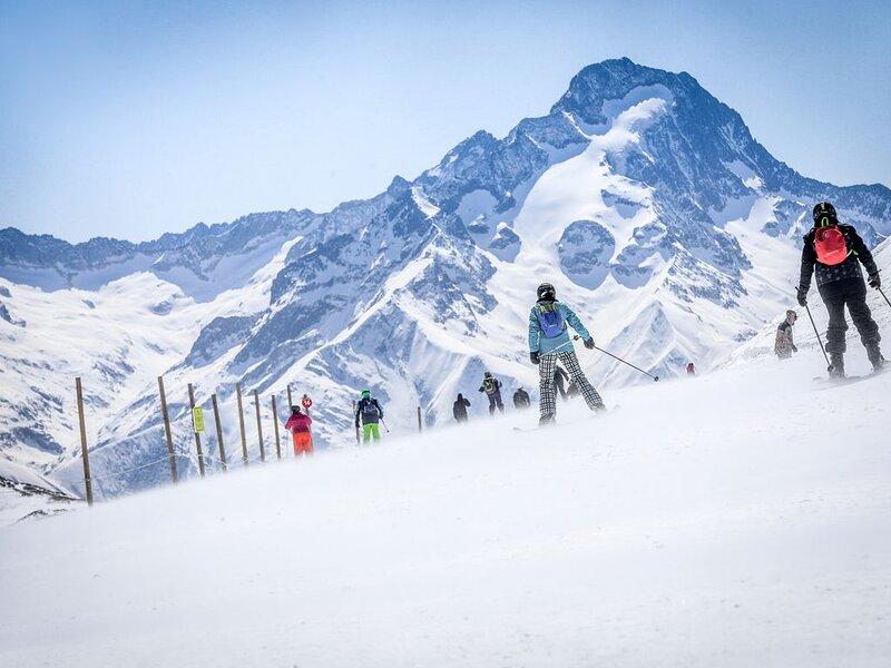Vaujany , alpes d'huez , ski, vélo , chalet  170m2 /16 p ,, alquiler de vacaciones en Vaujany