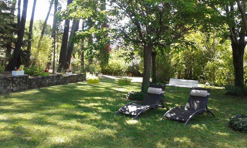 Lasalle    charmante maison dans le parc national des cévennes, location de vacances à Monoblet