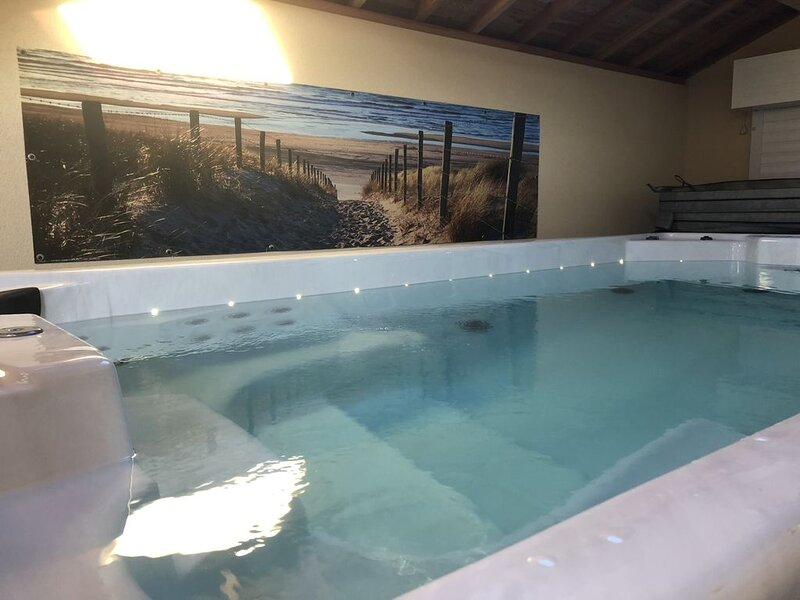 Villa Dune & Spa 8 pers, 50 m mer, jacuzzi de nage intérieur, holiday rental in Saint-Germain-Sur-Ay