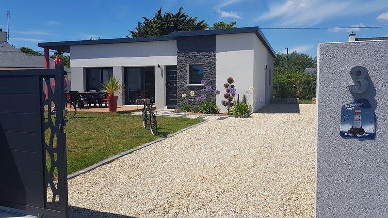 MAISON LESCONIL SUD FINISTERE, 3 CHAMBRES, PLAGE LES SABLES BLANCS 500 m, VELOS, location de vacances à Lesconil