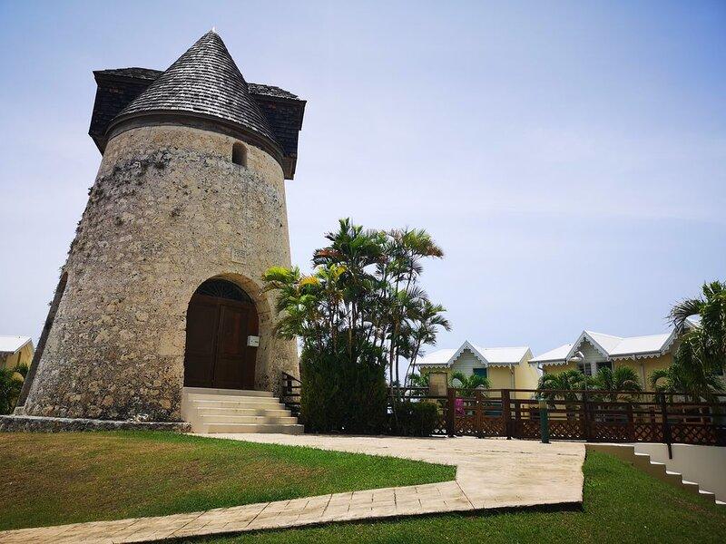 Sainte Anne, Guadeloupe, Appartement avec terrasse et jardin,  proche plage, aluguéis de temporada em Sainte-Anne