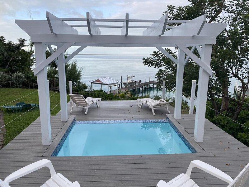 Green Turtle Cay, on Sea of Abaco - Private Dock, Plunge Pool / Spa, Ice Maker, location de vacances à Green Turtle Cay