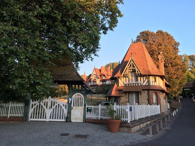 Balcon sur Sea, Sun & Horses, holiday rental in Saint-Arnoult