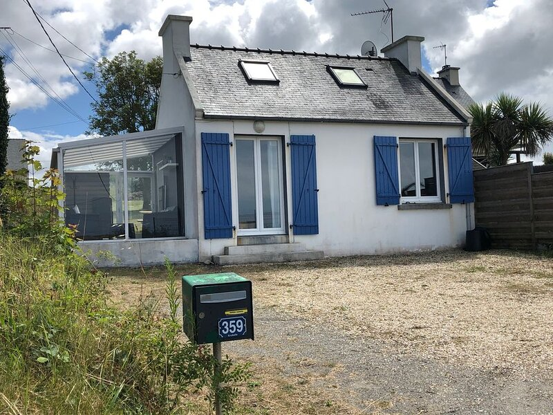 Nouveau : Maisonnette à 100 m de la plage, vacation rental in Finistere