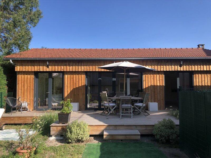 Maison rénovée à 2 pas du marché, location de vacances à La Teste-de-Buch
